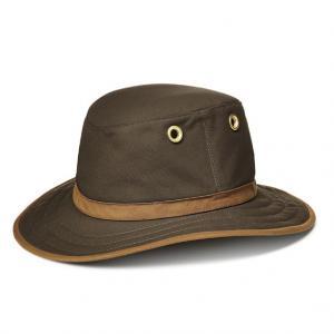Tilley Medium Curved Brim Outback Hat